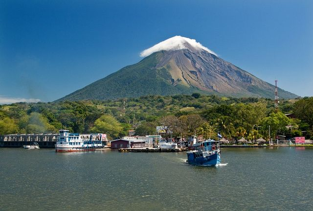 Port of Moyogalpa on Ometepe island with Volcan Concepcion in the background, Nicaragua (by kajami).
