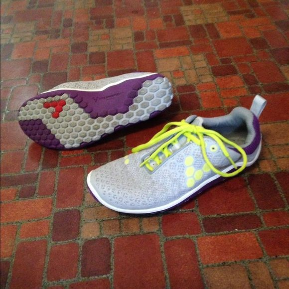 Vivobarefoot Running Shoes, Women's 38! Vivobarefoot running shoes, women's 38! Hardly worn, comes with two inserts! Also, my closet is closing soon! I want to get everything sold by May 13th, so make an offer if you're interested! Bundles will be heavily discounted too!  Vivobarefoot Shoes Athletic Shoes