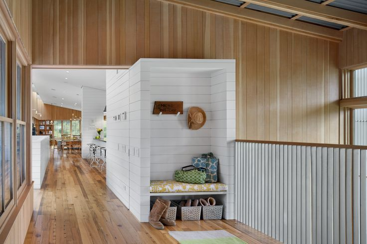 Entryway cubby to put away shoes and bags - West Marin Ranch, Turnbull Griffin Haesloop Architects