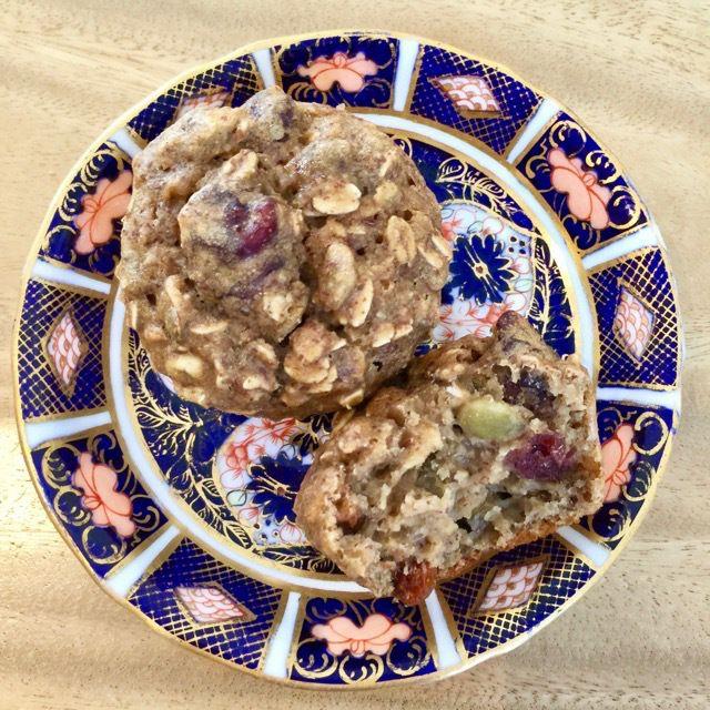 ZESTY SUNSHINE OATMEALMUFFINS veganleeks.com