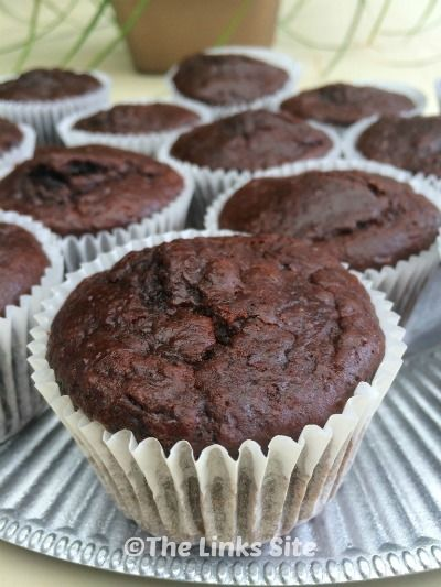 Sour Cream Double Chocolate Muffins. These are perfect make-ahead freezer muffins! thelinkssite.com
