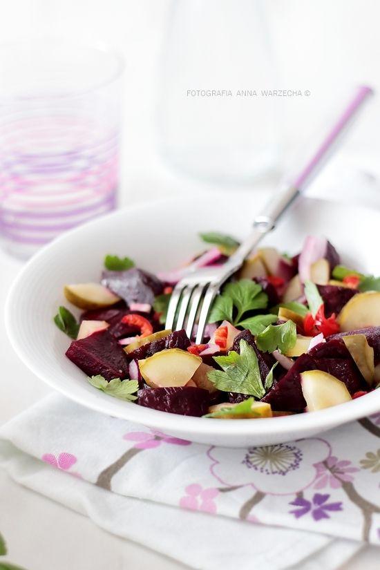 Wiem co jem: sałatka z pieczonych buraków do obiadu