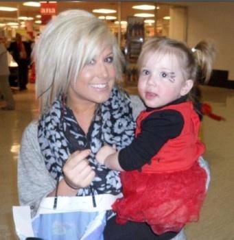 Chelsea Houska and Aubree Houska.. (: great mom !!!!!! Fav teen mom !