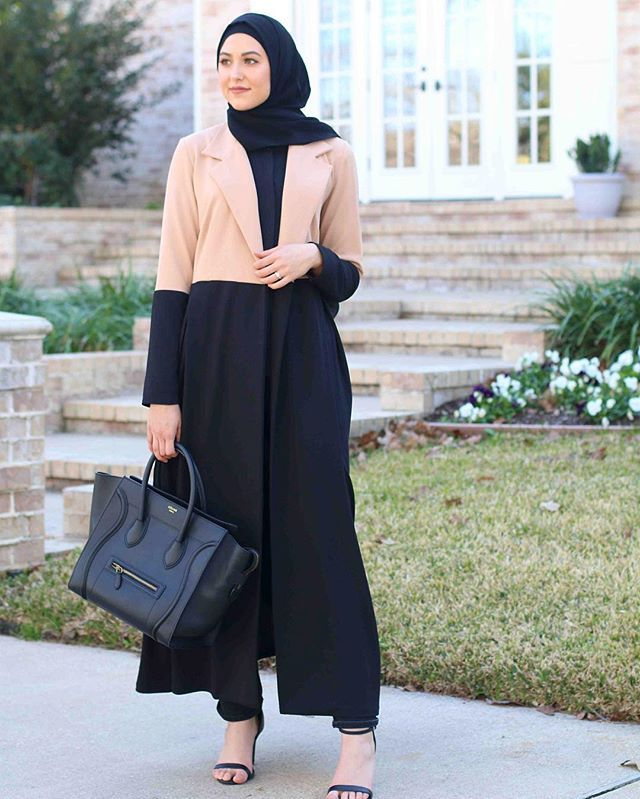 Did you even recognize me in a black hijab?  so out of my comfort zone! But this @annah_hariri maxi color block jacket! So chic!