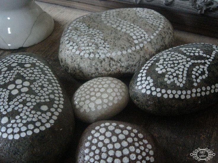 ystinowo- Easter painted stones- malowane kamienie wielkanocne