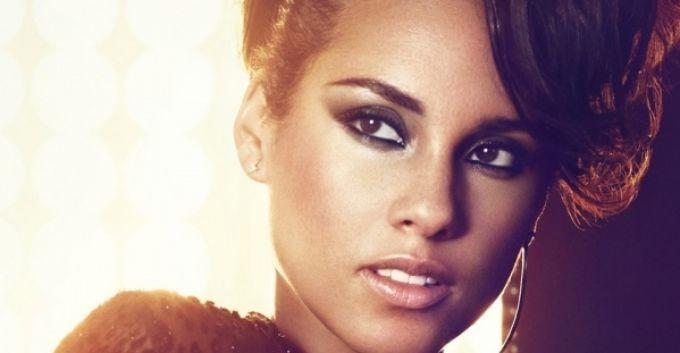 """Adelanto del tema de Alicia Keys para """"El Sorprendente Hombre Araña 2"""""""