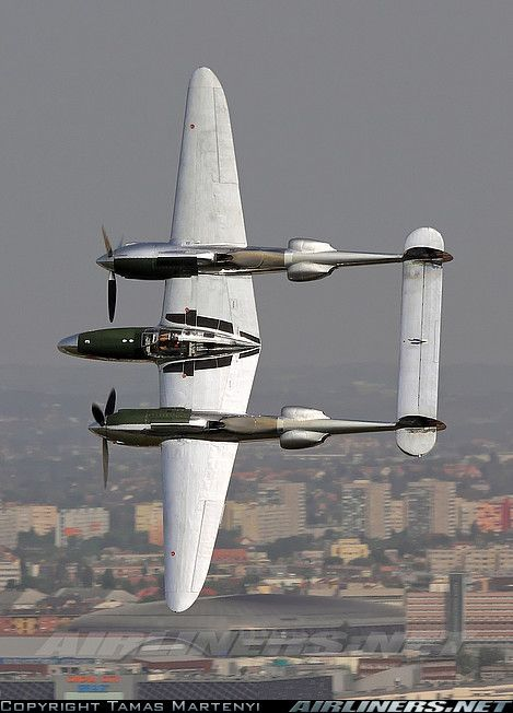 Lockheed P-38L Lightning aircraft picture