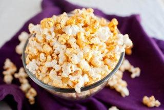 Vegan coconut curry popcorn. | Vegan Recipes | Pinterest