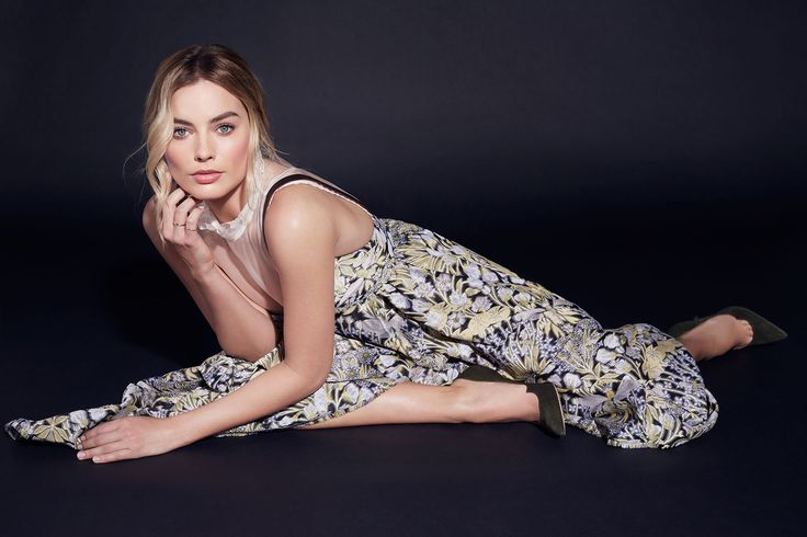 Margot Robbie – Suicide Squad Photoshoot