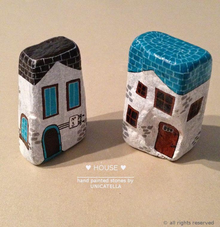Anita Bujakowska Unicatella  Kamienie ręcznie malowane www.polandhandmade.pl #polandhandmade #paintedstone #littlehouse
