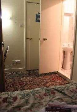 10 idee n over kleine kamers op pinterest kleine kamer inrichting kleine slaapkamers en - Kleur kamer volwassen foto ...
