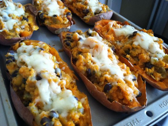 Southwest Stuffed Sweet Potatoes - suuuper easy and looked so impressive. Husband loved it.