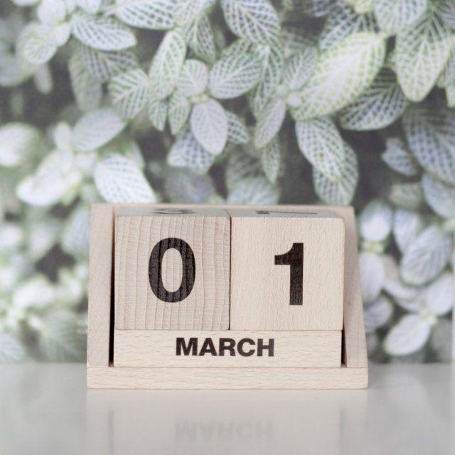 Kalendarz drewniany ENGLISH!