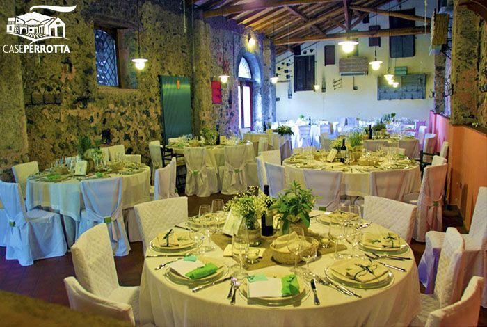 Allestimento sala Cantina per ricevimento nozze con erbe aromatiche