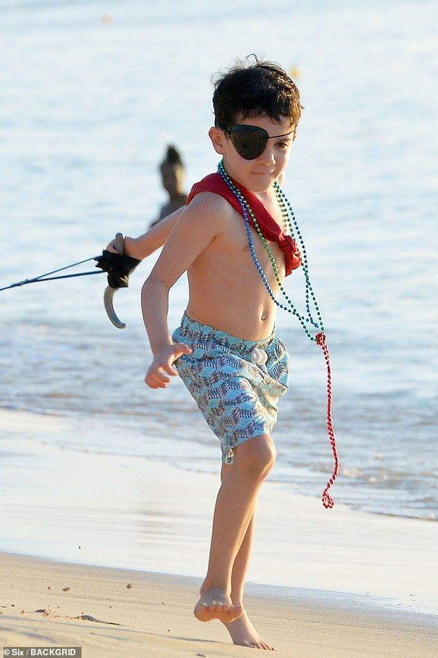 Simon Cowell S Son Eric And Lauren Silverman Step Out In Barbados Simon Cowell Son Lauren Fashion