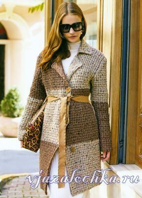 Пальто спицами узором с перетяжками