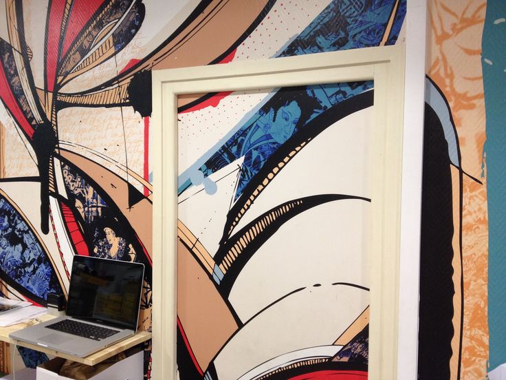 Papier Peint 165g sans PVC (approuvé pour tous milieux sans solvants) en décoration d'espaces de travail. Crédit artiste : Romain Froquet