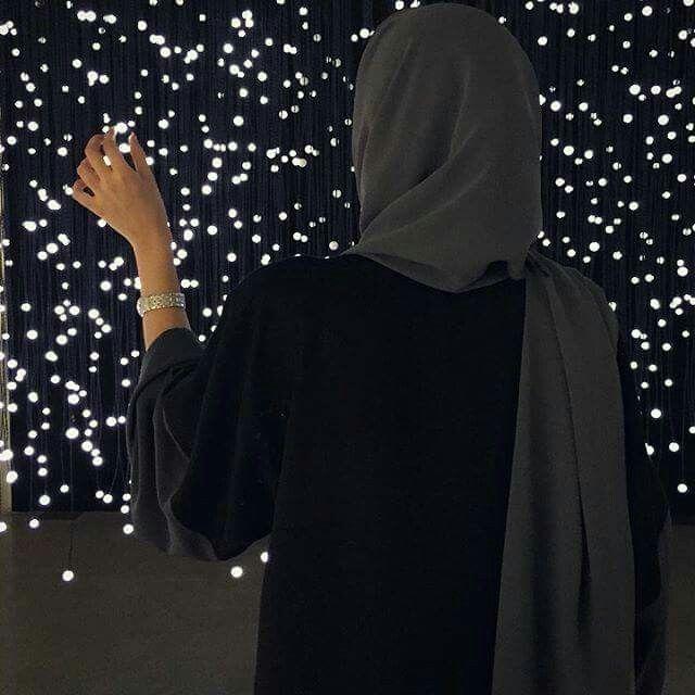 Pinterest: @eighthhorcruxx. Black abaya with green hijab. Solace