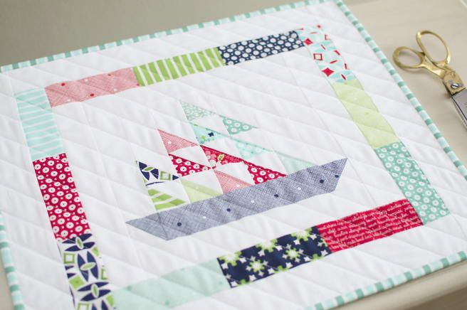 Ships n' Sails Mini Quilt | Ships ahoy! Don't miss out on this free nautical quilt pattern!