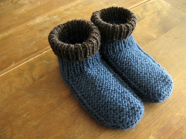 Knit slippers a few nice links