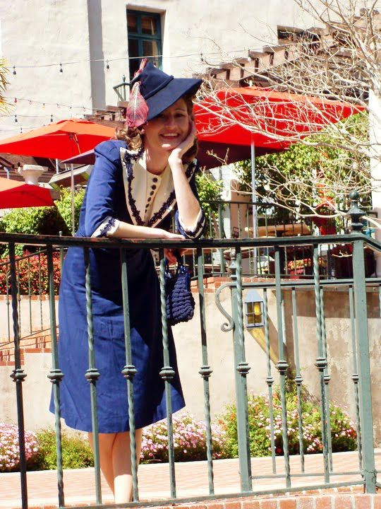 Early 1940s Navy Blue Two Piece Suit   Wearing History: Early 1940S, 1940S Vintage, 1940S Navy, 1940S Style, Lovely, Fashion 20 S 70 S, Años 1930 1940, Fabulously Fashionable