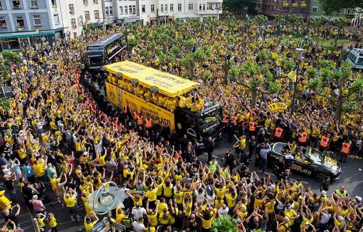 #Borsigplatz #Pokalsieger2017 #BVB #Dortmund #EchteLiebe #BesteFansderWelt #PottimPott
