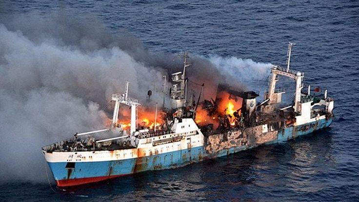"""""""el principal motivo de estos abandonados de busque son sin duda las tempestades y incendios"""" disen que esas son las causas de los buques abandonados parafro 3 cita 2"""