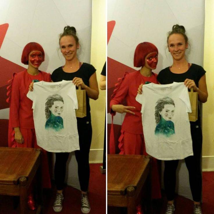 Monika Brodka w koszulce ręcznie malowanej od Bazgrającej #polish #polishgirls #art