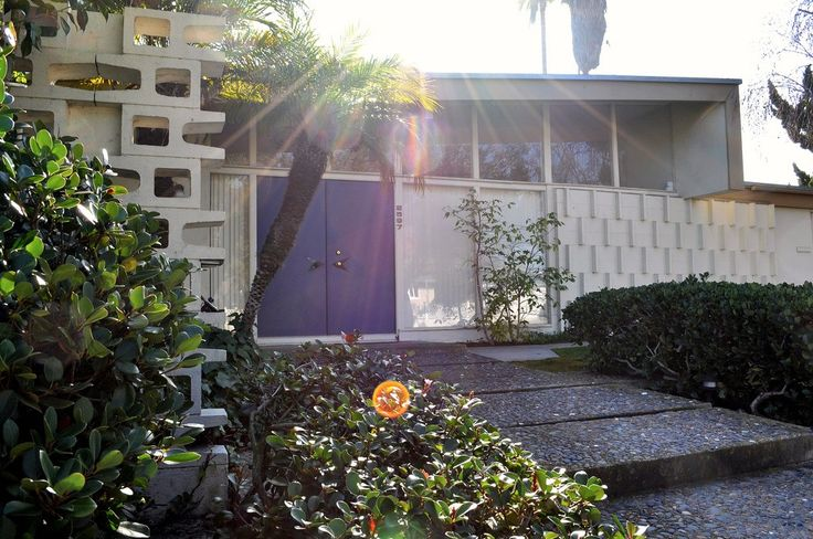 1960Mid-Century Modern Home | Architects: Palmer & Krisel | Developer: Irvin Kahn | University City, San Diego, CA -Via