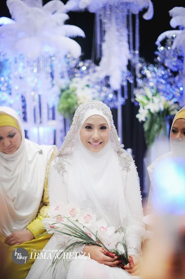Irma Hasmie's Wedding Dress by Hatta Dolmat