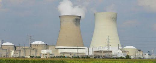 Attentati Bruxelles, Fbi invia 12 uomini dell'antiterrorismo per vigilare sulle centrali nucleari di Doel e Tihange - Il Fatto Quotidiano ilfattoquotidiano.it BRUXELLES – Dodici agenti dell'antiterrorismo americano sono stati inviati dal Dipartimento di Stato per affiancare i loro colleghi belgi e francesi, in particolare nel delicato settore nucleare