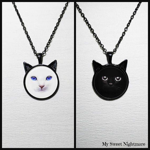 Collana con gatto nero bianco cammeo fotografico base nera