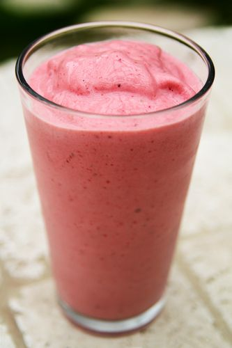 Strawberry Vanilla Coconut Smoothie