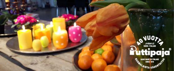 Kevättä rinnassa  #pääsiäinen #pääsiäisherkkuja #kynttilä #raikaskevät #pääsiäiskattaus #puttipaja  #pääsiäiskoriste #kotimainenkynttilä
