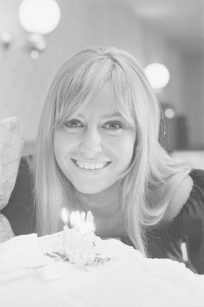 English actress Susan George celebrates her 21st birthday, UK, 26th July 1971.