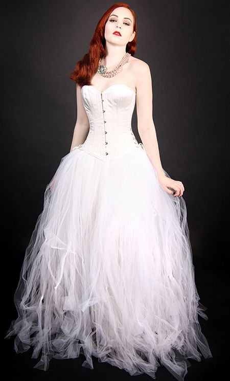 stunning corset wedding dress <3 <3 <3