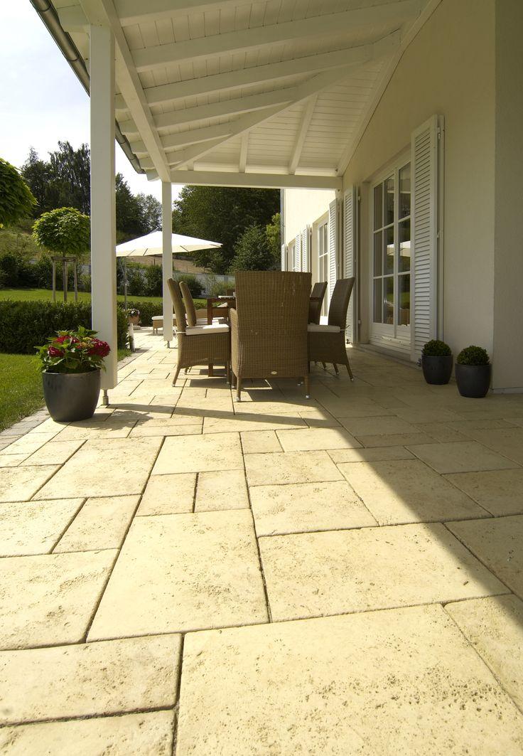 Sunny days? Starka Bradstone Travino for your garden.