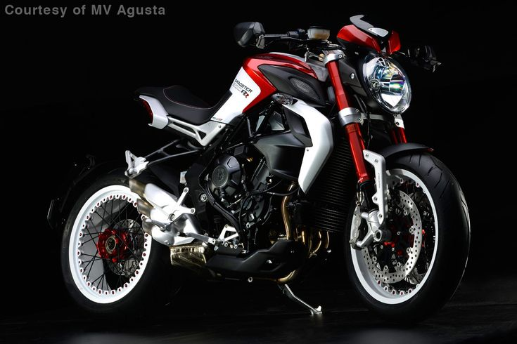 Special spoked wheels add a wild look to the 2015 MV Agusta Brutale 800 Dragster RR.