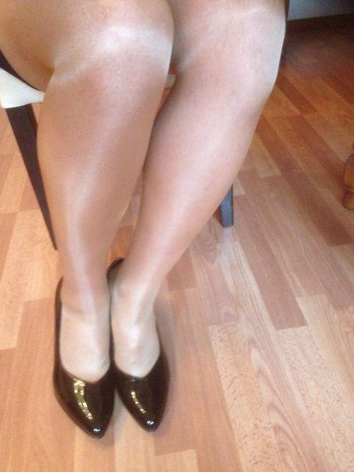 Shiny Pantyhose Legs 11