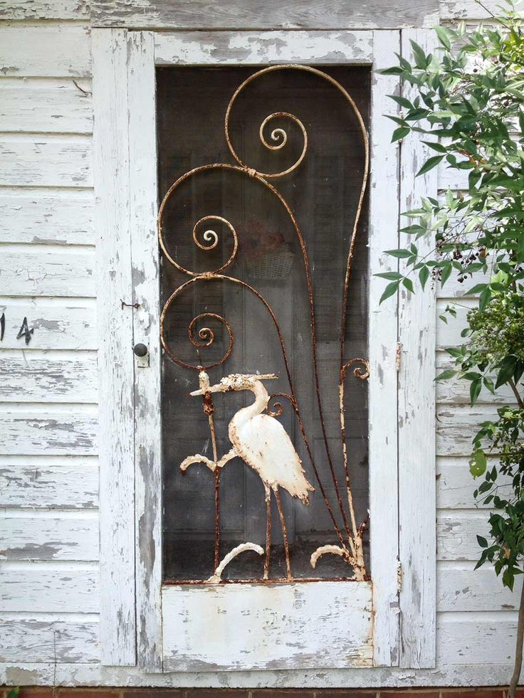 Gabe and Amanda rescue and restore a beautiful vintage screen door ...