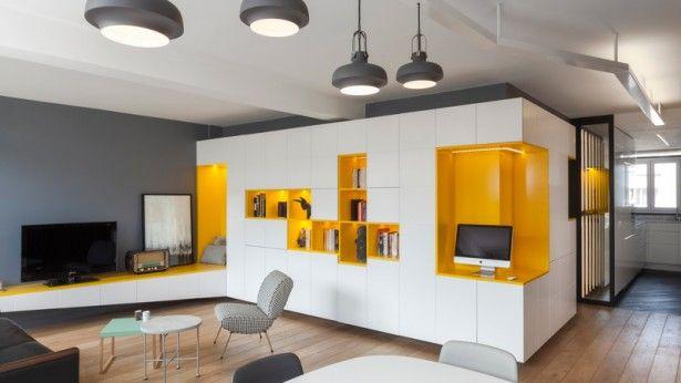 Een kleurrijk appartement voor een alleenstaande vader en zijn zoon