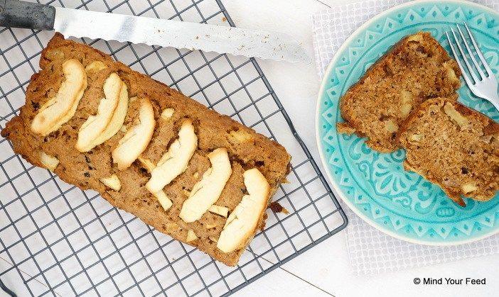 Speltcake met appel en rozijnen - Mind Your Feed