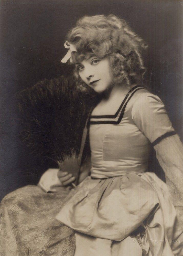 Nostalgia Chick Moulin Rouge
