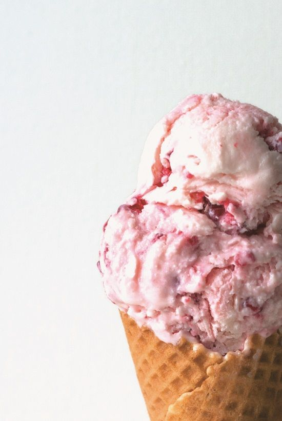 Glace Yaourt Framboise | Lilie Bakery http://liliebakery.fr/glace-au-yaourt-a-la-framboise/