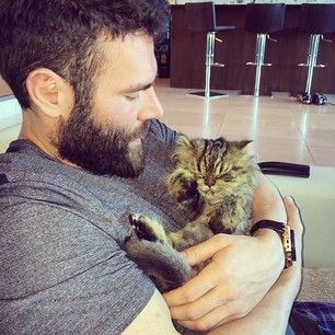 Who loves his teeny tiny cat. | This Millionaire Playboy Is The Most Interesting Man On Instagram #danbilzerian