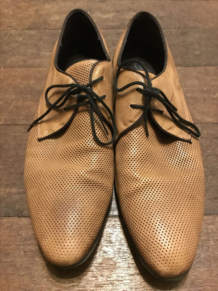 Men's leather shoes. $25. Fir my hipster 17 yo son.