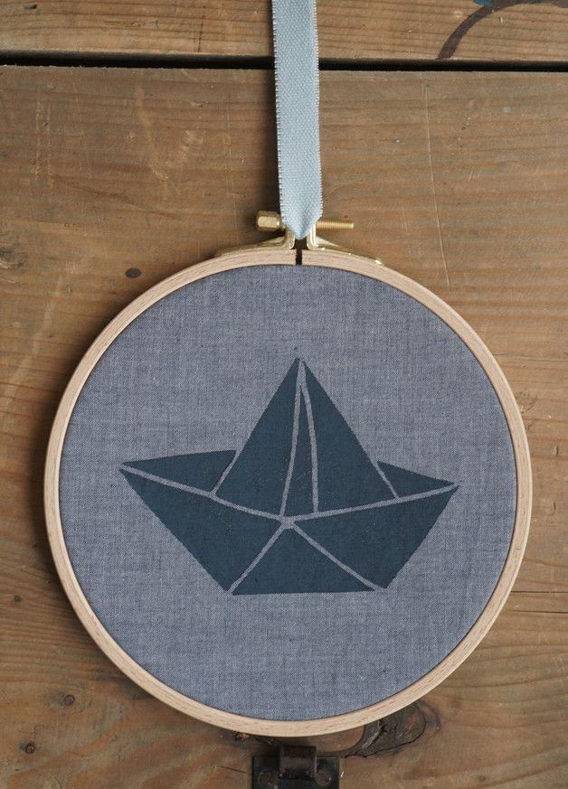 Kinderzimmerdekoration - Schiff - Stickrahmen mit Linol-Druck - ein Designerstück von p_maerkisch bei DaWanda