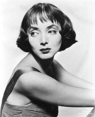 Carolyn Jones, before she became Morticia Addams