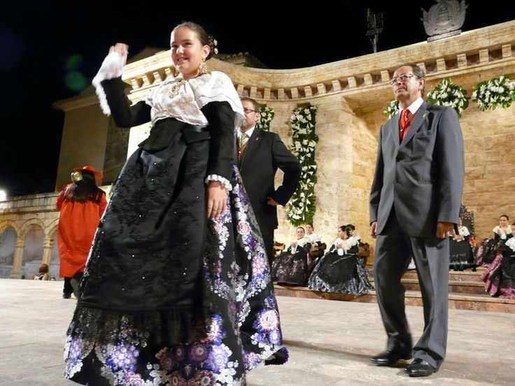 "Paula Tortajada cumple su sueño de ser ""la chica guapa de la banda roja"""