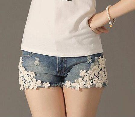 Short Jeans com Renda - MANDORAS